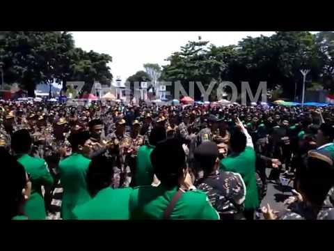 Merinding 50000000 anggota Banser berkumpul di Garut