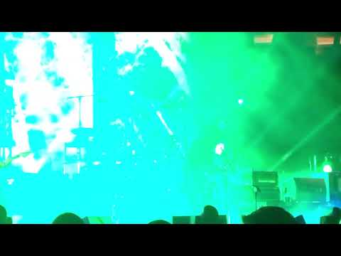 The Cure - A Forest (Live at Madison Square Garden, NYC 6/20/2016)