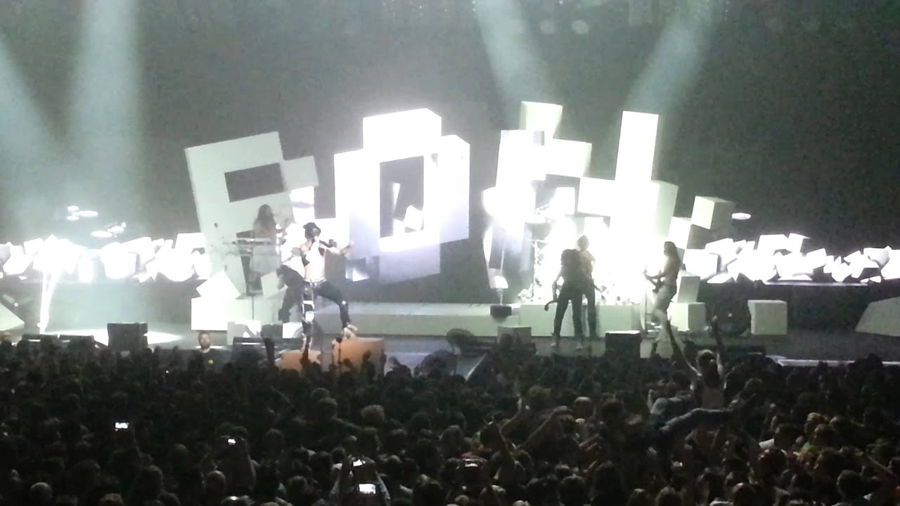 2014 11 07 shaka ponk live zenith de lille l 39 m picky freestyle my name is stain youtube. Black Bedroom Furniture Sets. Home Design Ideas
