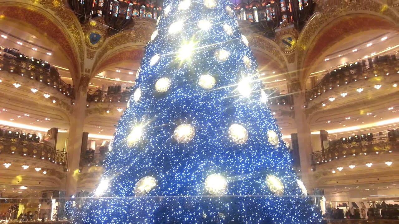 Swarovski christmas tree in Galeries Lafayette. - YouTube