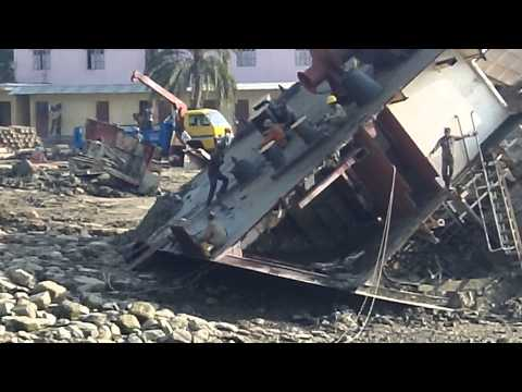 The crazy shipbreaking in Chittagong Bangladesh  5 of