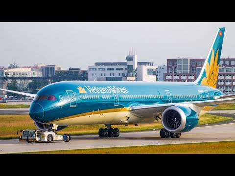 2 HOURS Planespotting at Frankfurt Airport - 2017 #1