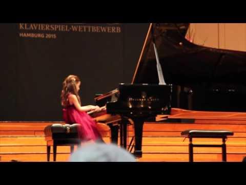 Klara Khomskii, 6 years old - STEINWAY KLAVIERSPIEL-WETTBEWERB 2015