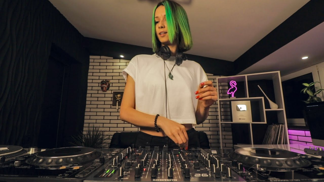 Miss Monique   MiMo Weekly Podcast 018 [Progressive House/Melodic Techno DJ Mix]