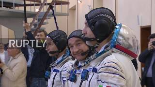 Russia: ISS Expedition 58/59 crews hold pre-flight training session