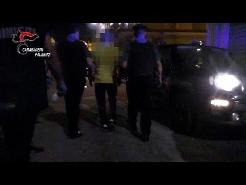 Download Mafia, picchiato perché aveva messo in discussione l'autorità del boss: tre arresti