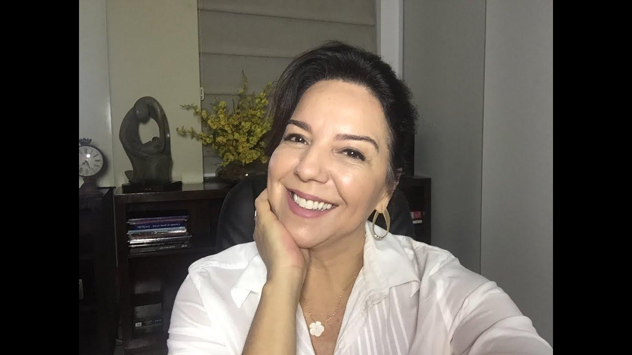 A INDIGNADA!  AO VIVO   29/03 Luciana Liviero comenta as Notícias da Semana