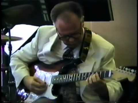 Smoke gets in your eyes - Jack Petersen Jazz Guitar - YouTube