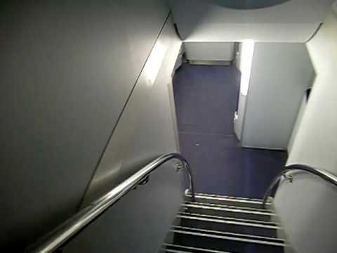 Airbus A340 600のトイレ Youtube