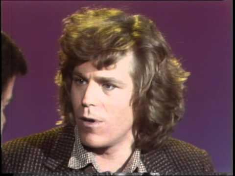Dick Clark Interviews Jeff Conaway -  American Bandstand 1980