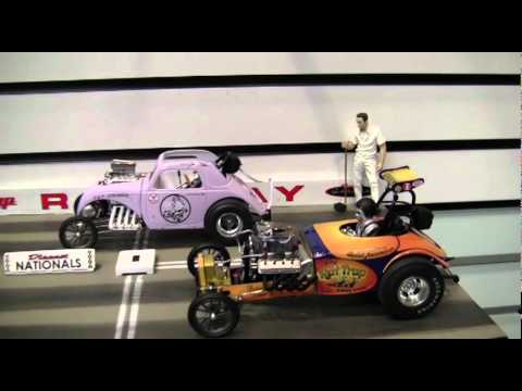 Gmp 1 18 Drag Racing Diorama Adds Life To Diecast Collectibles