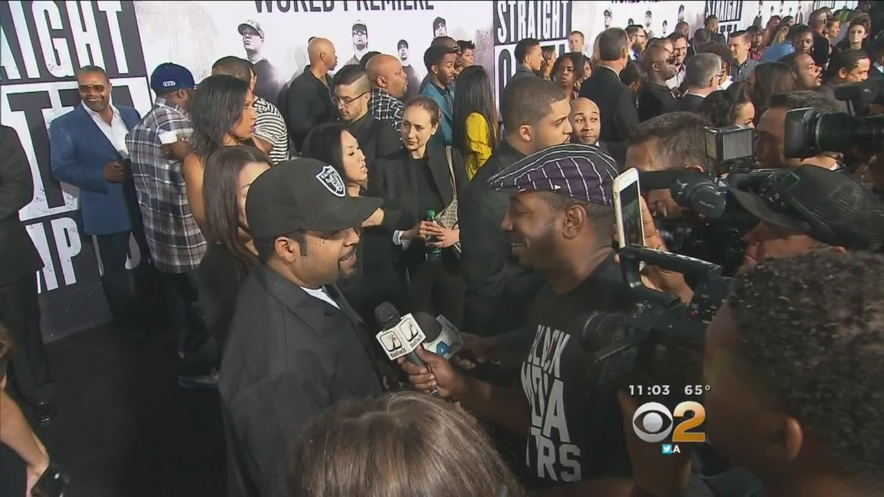 Straight outta compton tomica woods wright red carpet premiere - Security Extra Tight At Straight Outta Compton Movie Premiere In Downtown La Youtube