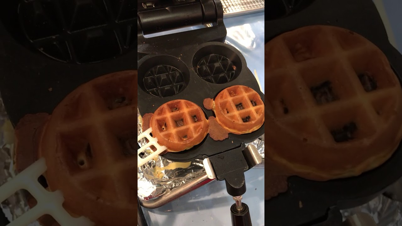 carbon s golden malted waffle maker