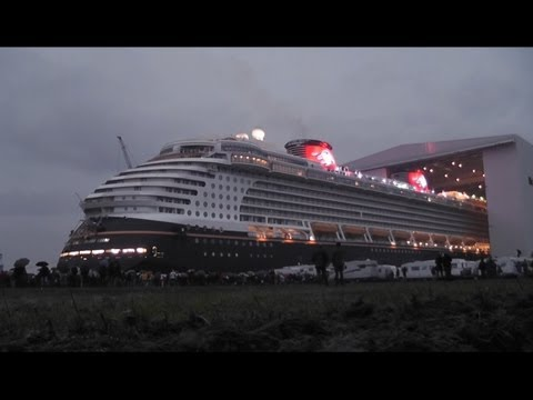 Float Out of DISNEY DREAM - Papenburg 30.10.2010