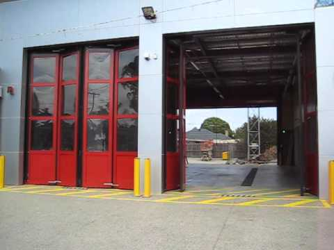 Fire Station Efaflex Sft High Speed Folding Door Youtube