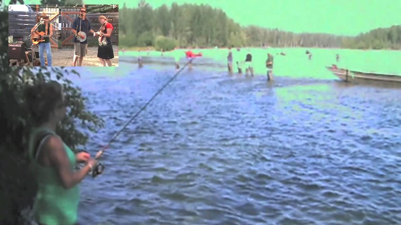 Jed and lynn fishing in clear creek near talkeetna alaska for Clear creek fishing report