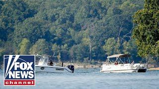 Video 17 killed in Missouri tourist boat accident download MP3, 3GP, MP4, WEBM, AVI, FLV Juli 2018