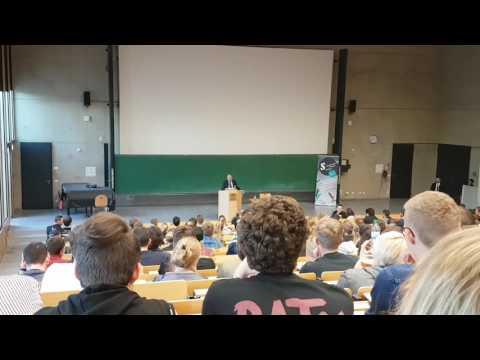 Gregor Gysi kritisiert Schulsystem Uni Koblenz
