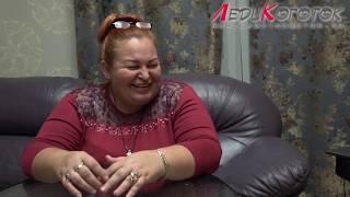 Елена Дзык удаляет ногти до кости. Как чувствует себя клиент)