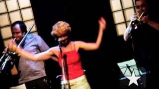 """Metrô toca """"Rapaz da moda"""" no Bourbon Street, em SP - Arquivo Radar Showlivre 2004"""