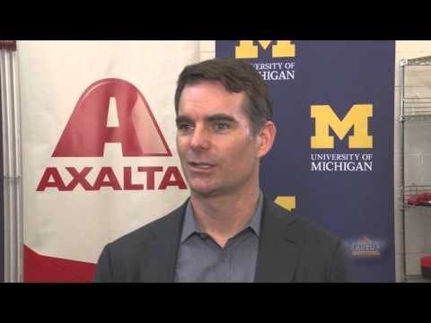Jeff Gordon Helps Future Auto Racing Engineers with New Partnership