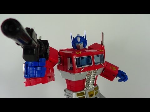 Transformers Masterpiece Optimus Prime Figure Review (HasbroTRU  Toys R' Us Exclusive)