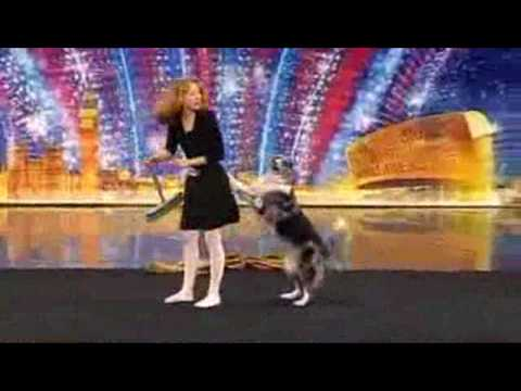 Chó biết nhảy múa cùng chủ.flv