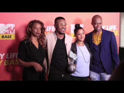 ALIKIBA The MTV Europe Music Award Best African Artist Trophy