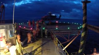 Helikopterlanding på Transocean Searcher