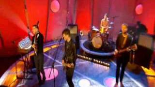 Franz Ferdinand-No You Girls Live on Ant & Dec (7/03/09)
