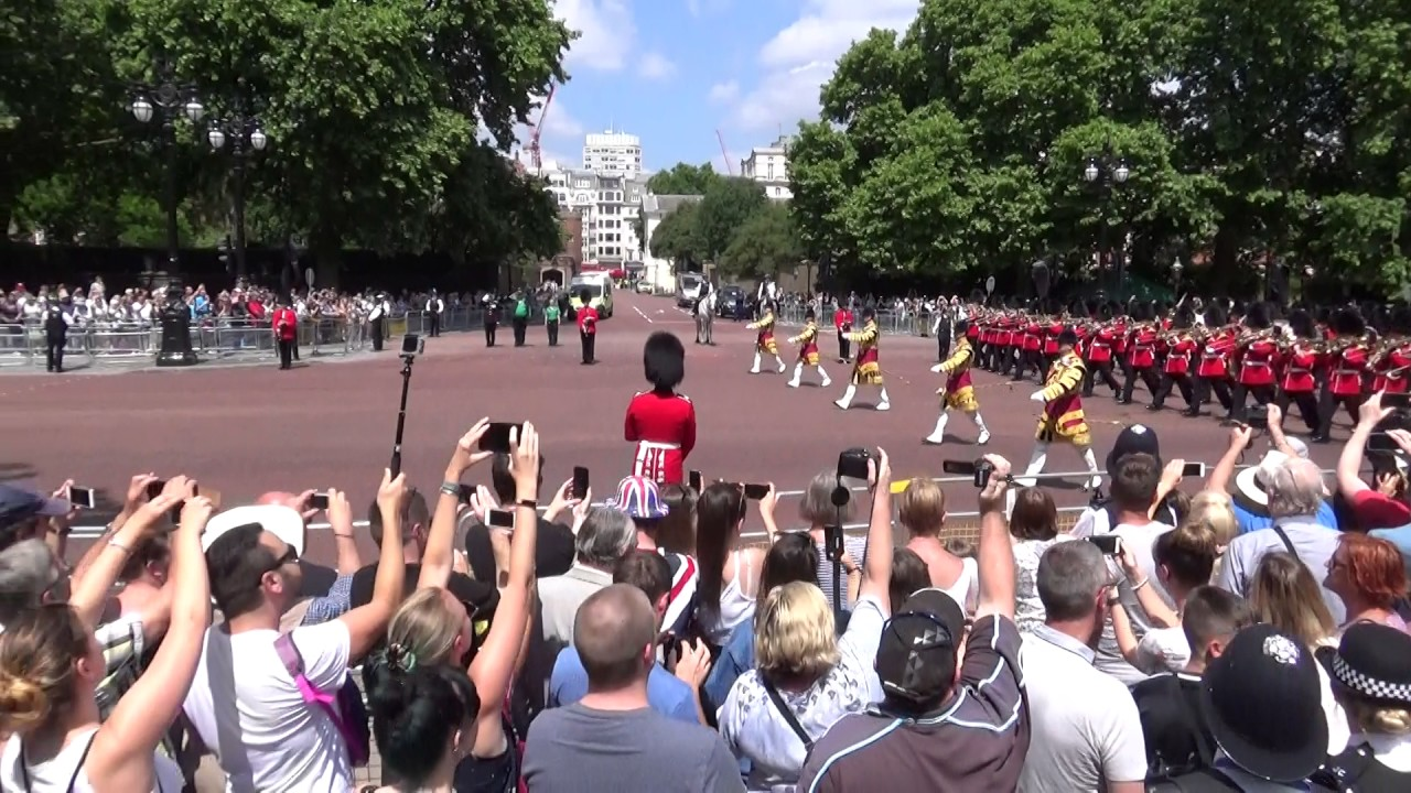 Trooping the colour 2017, the Queen's Birthday parade ...