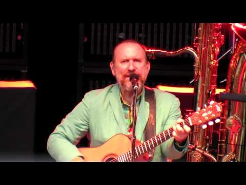 Colin Hay of Men At Work 2015 Overkill/Down Under/Who Can It Be Now? Live