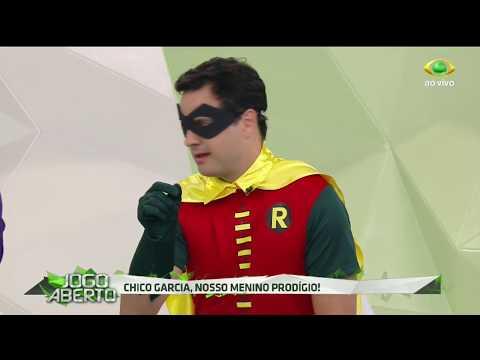 Chico paga aposta e se veste de Robin