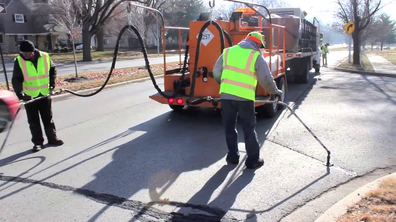 asphalt filler machine