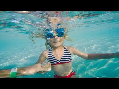 👏Eleanor met la tête sous l'eau pour la première fois à Cozumel - [MEGA VLOG] Family Coste