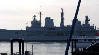 Aircraft carrier HMS ILLUSTRIOUS leaves Portsmouth harbour