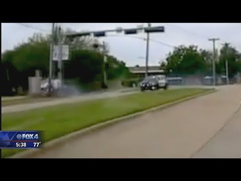 Purse Snatcher Tries To Outrun Football Player Turned Carrollton Cop