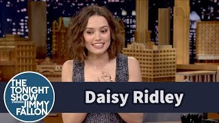 Daisy Ridley Cried over the First Force Awakens Trailer thumbnail