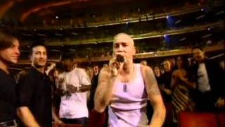 2000 - Eminem - The Real Slim Shady & The Way I Am [Live @ MTV Music Awards 2000]
