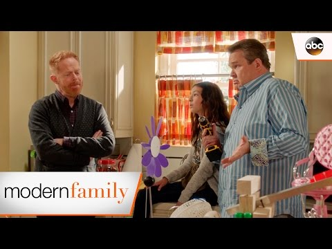 Lily's Science Fair Project  Modern Family 8x13