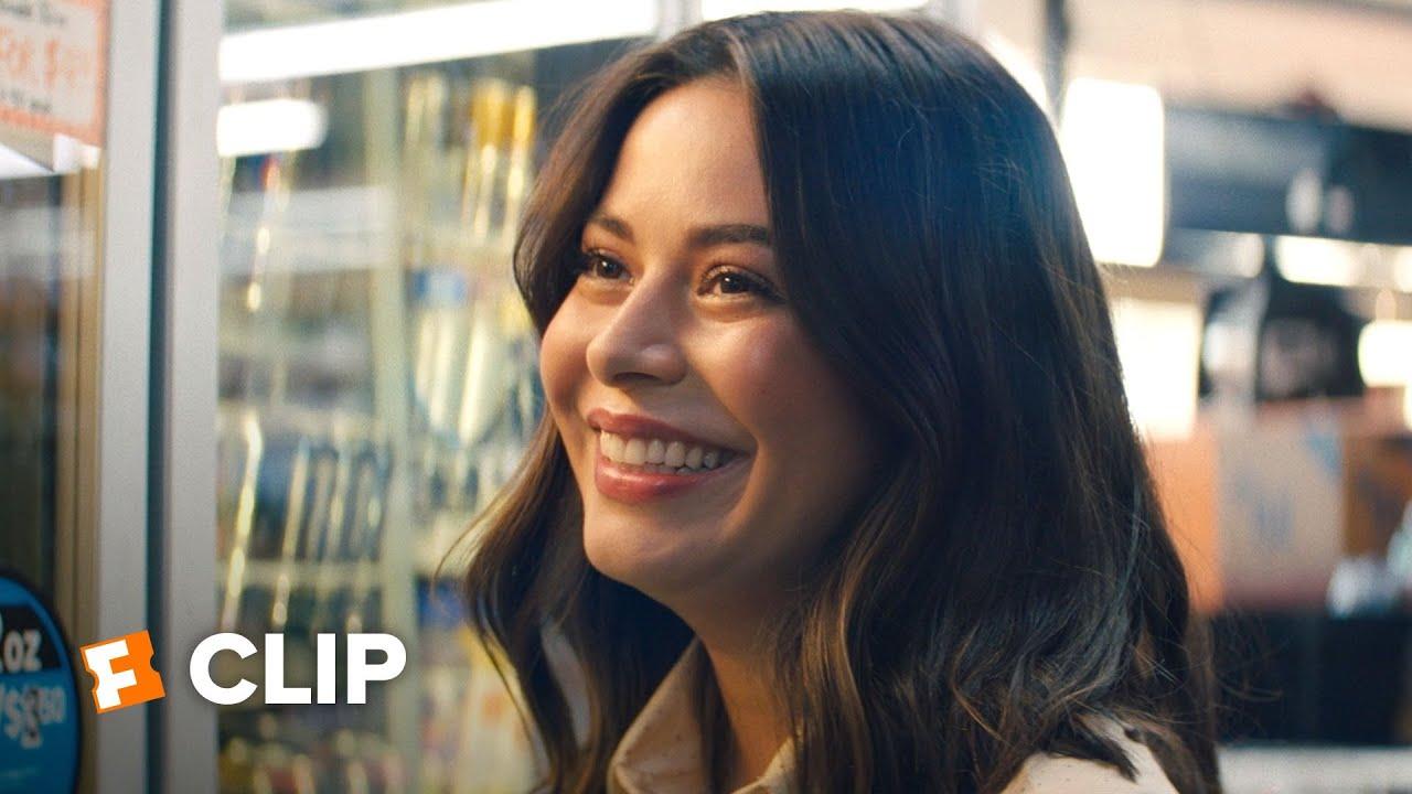 Download North Hollywood Exclusive Movie Clip - Love Look (2021) | FandangoNOW Extras