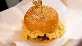 Macaroni Cheeseburger - Thai street food