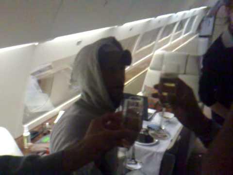 Enrique celebrates birthday on plane