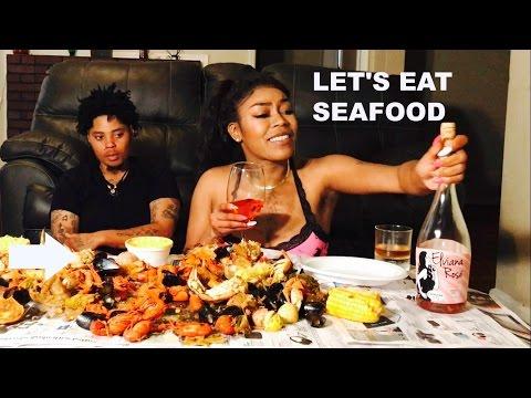 SEAFOOD BOIL MUKBANG | Lesbian Edition |