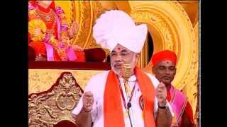 CM Narendra Modi at Shree Swaminarayan Gadi!