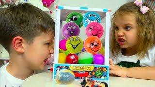 ЧЕЛЛЕНДЖ Автомат с Шариками  LOL и Роблокс игрушки Minecraft / Toys Dispenser Challenge
