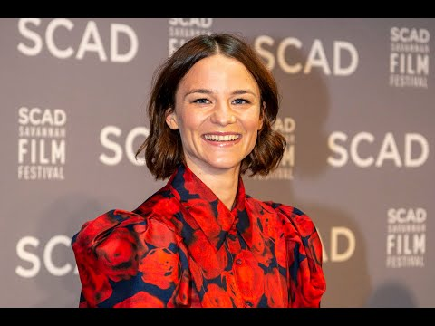 valerie-pachner's-debut-role-in-'a-hidden-life'-wins-discovery-award