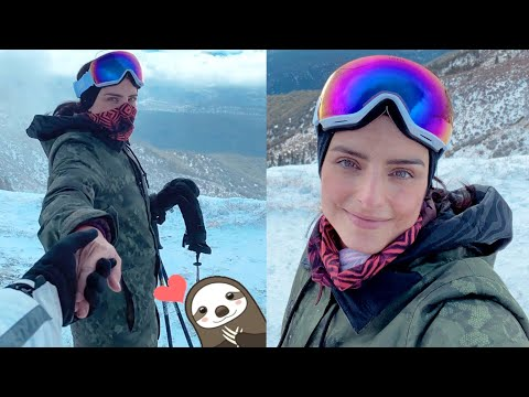 Aislinn Derbez se va a esquiar con alguien muy especial