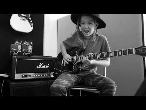 JT Bosch - A 9 Year Old Playing Tennessee Whisky Is The Best Thing You'll See Today