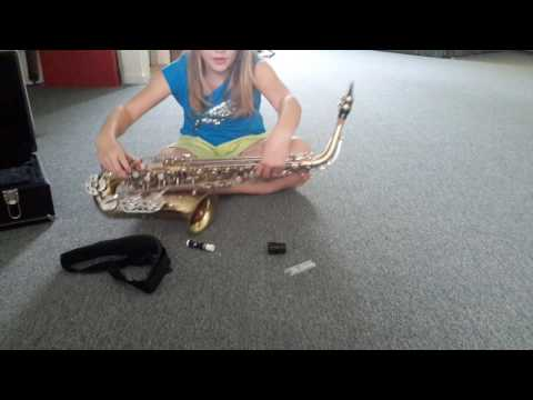 EP #1 How To Set Up An E flat Alto Saxophone